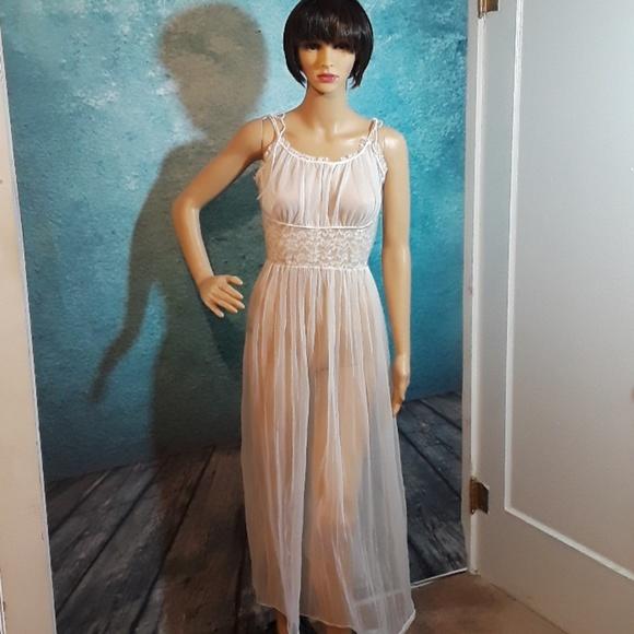 035b53d1a Vintage 60s Boudoir nightgown sheer lace size S. M 5b96c87a12cd4aff7fd7a6e4